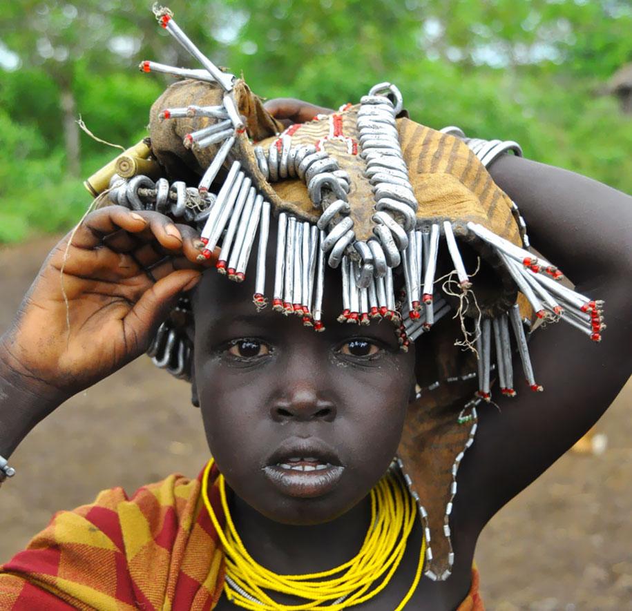 talented, tribe, ethiopia, garbage, jewellery, theemergingindia, india, emerging