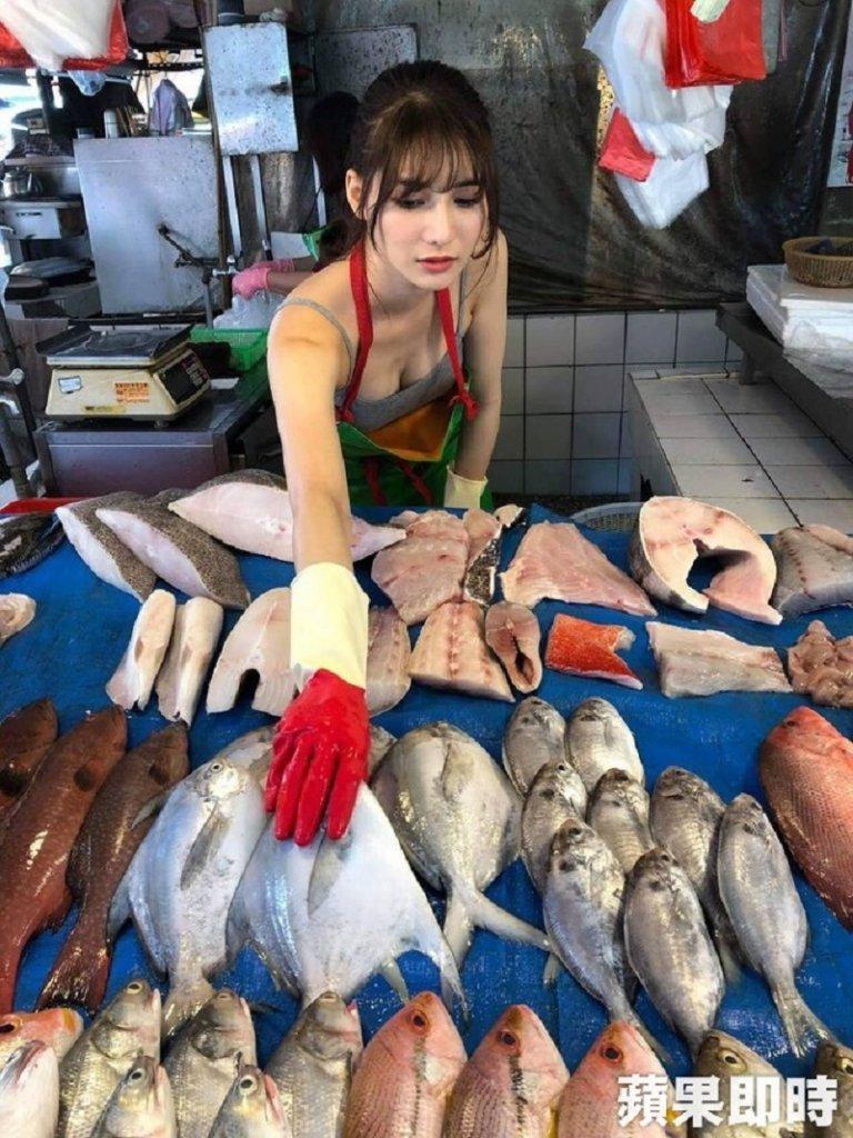 Fish Market , reason , young attractive , Old Model, stall, market, theemergingindia, emergingindia