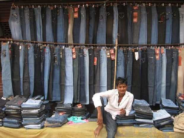 562ecf7ce3c Tank-Road-Wholesale-Jeans-Market-in-Delhi - THE EMERGING INDIA