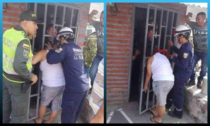 Woman, Spying, Neighbor, Head Stuck, Metal Gate , nosy , tried,