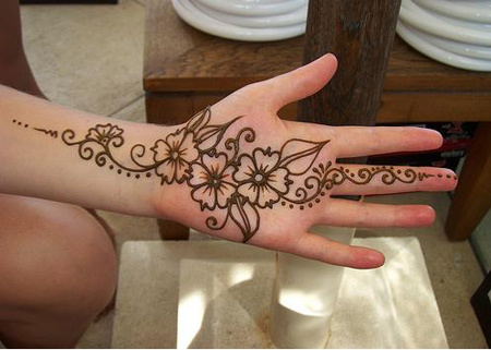 Eye-catching, mehndi, design, Eid, joyful, festival, Ramadan,